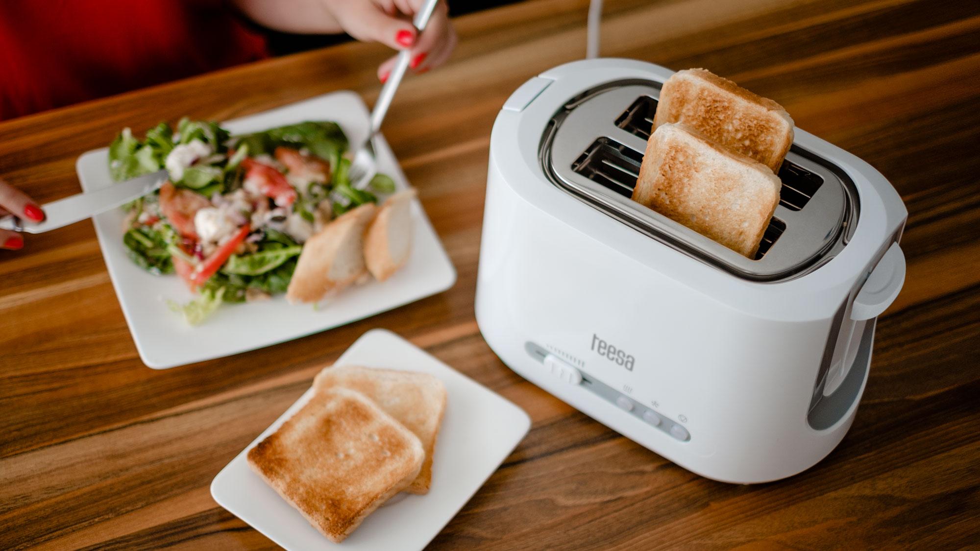 Prajitor de paine Teesa TSA3302 850w